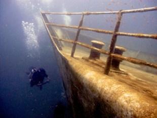 thailand beach koh phi phi scuba diving ship wreck dive