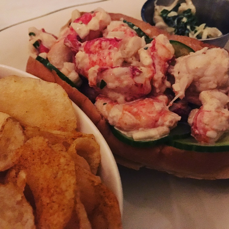 grand-banks-New York staycation-lobster-roll