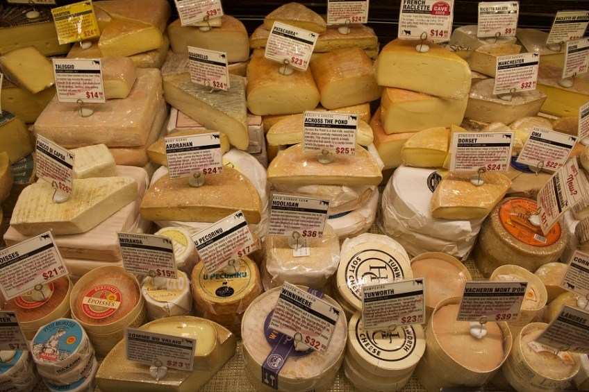 murrays-cheese-counter
