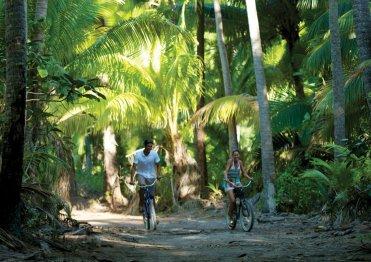 Kolesarsko raziskovanje tropskega otočka