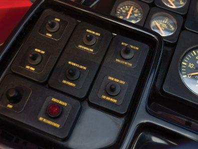 Gliser 1990 Riva Ferrari 32