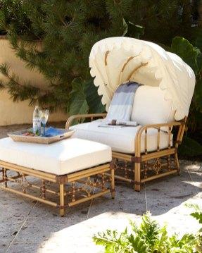 Mimi Outdoor Cuddle Canopy & Ottoman (horchow.com, okoli 1300 evrov)
