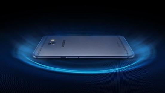 Samsung Galaxy C7 Pro: C7 prestopil med profesionalce