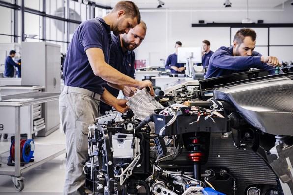 Nastajanje superšportnika Bugatti Chiron