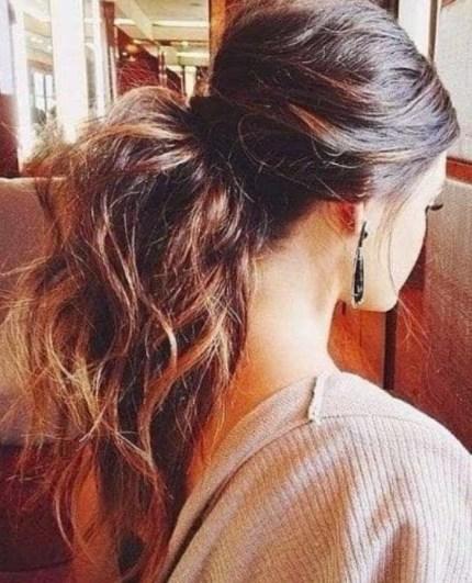19 deklet, ki navdihujejo s svojimi dolgimi lasmi: Razmršen, a šik čop.