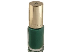 L'Oreal Color Riche Nail Polish Feather Green 196, Green Nail Polish, Varnish