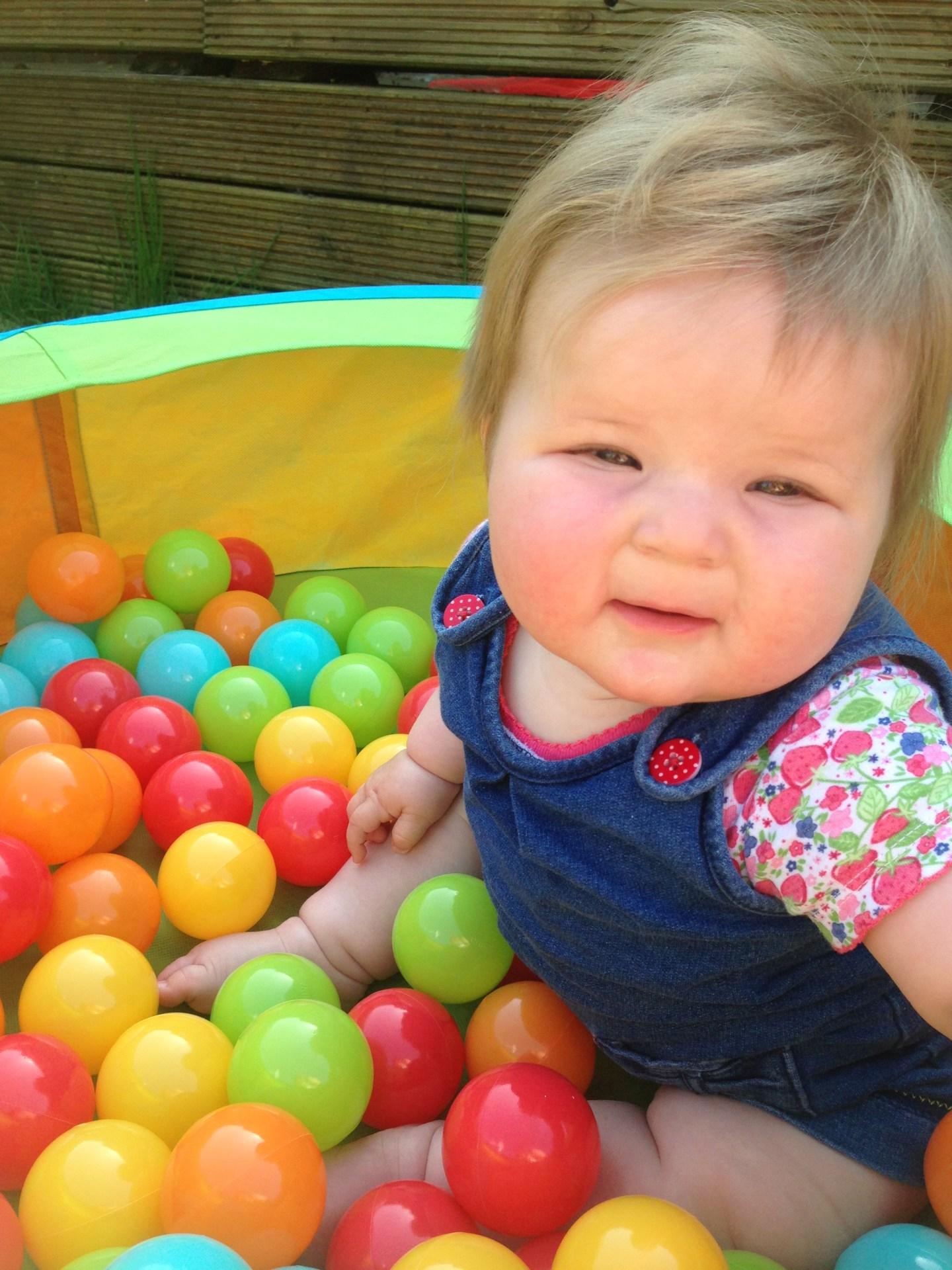 Baby ball pool