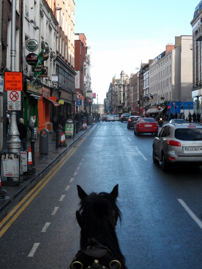 Dublin Horse Carriage to Trinity College