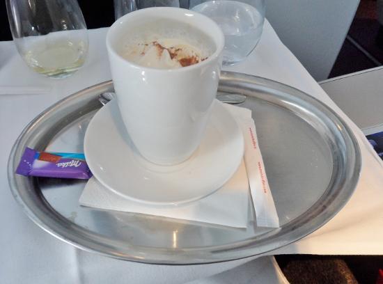 Austrian Airlines Business Class Kaffee Verkehrt