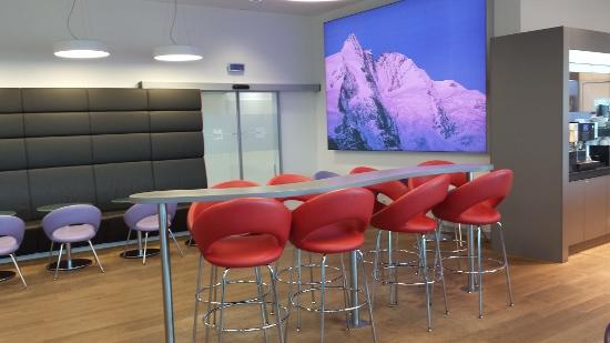Austrian Airlines Senator Lounge Vienna Seating