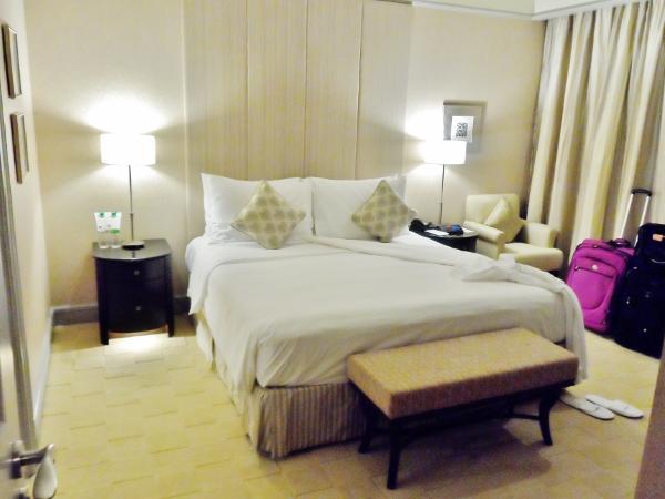 Le Meridien Kuala Lumpur Club Suite Bedroom