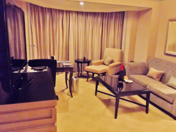 Le Meridien Kuala Lumpur Club Suite Living Room