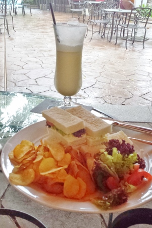 Le Meridien Kuala Lumpur Patio Bar Club Sandwich