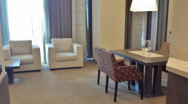 MXP Sheraton Malpensa Diplomatic Suite living room