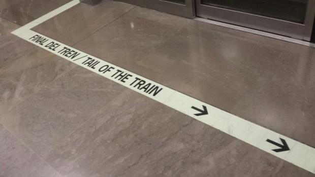 Madrid Aiport Tram TS4-T4 floor signage