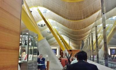 Madrid Airport T4 Iberia saladali lounge ceiling