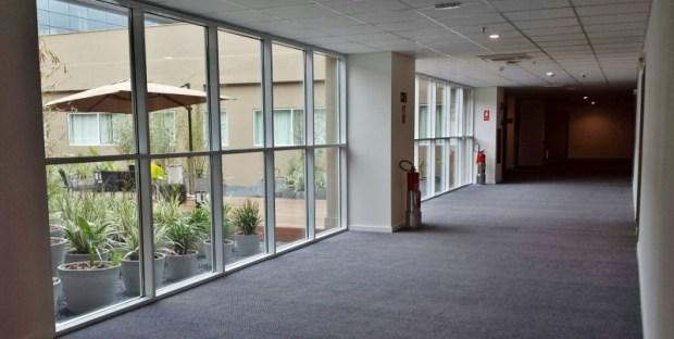 Tryp Wyndham GRU Airport Hotel outdoor hallway