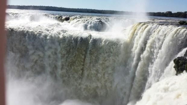 Devils throat top of iguazu falls
