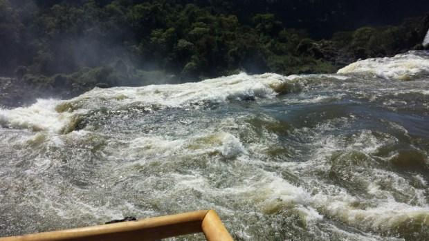 iguazu falls upper circuit trail viewing platform