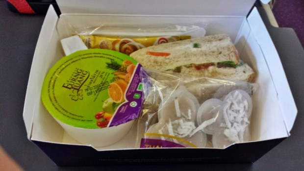 Thai Airways Economy Bangkok Chiang Mai snack