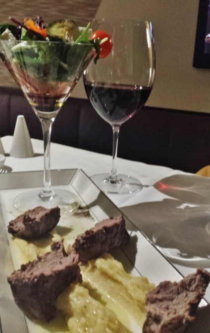 Etihad Airways First Apartment AUH-JFK steak salad