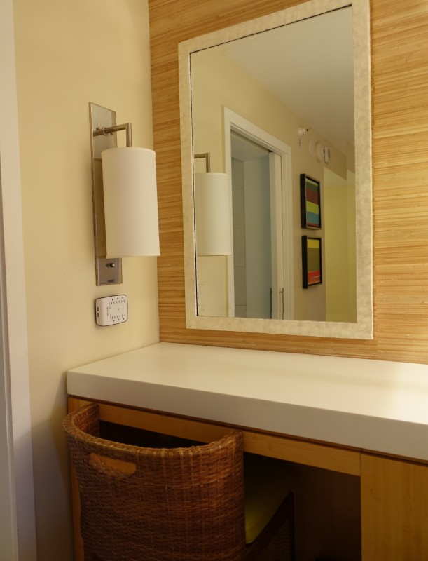 Hyatt Key West Deluxe Queen vanity