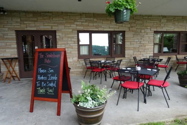 blackwater falls lodge smokehouse patio dining