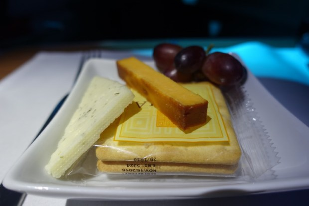 american airlines business class 787 ord-nrt cheese plate