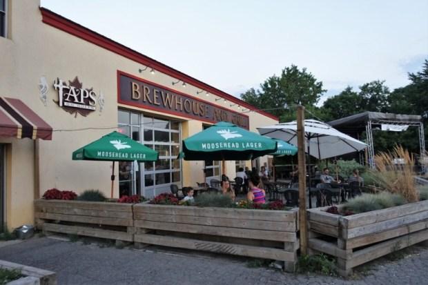 Niagara Falls Breweries Taps on Queen Patio
