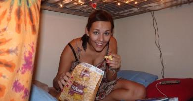 Hostel - Nesting with fairy lights. And popcorn.