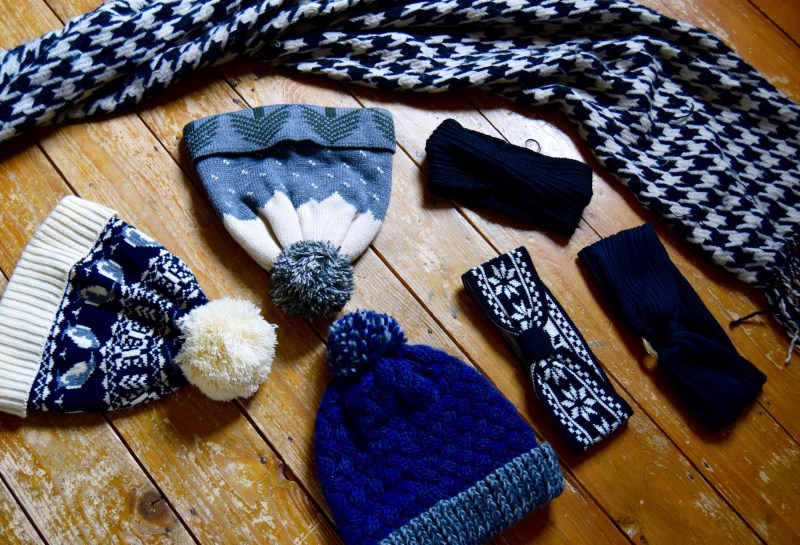 Knitted accessories for Iceland