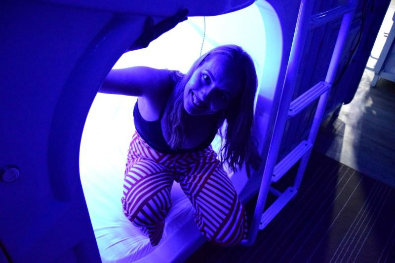 MET A Space Pod Hostel, Singapore