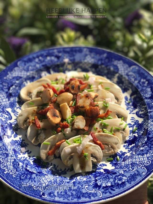 champignoncarpaccio met spek en noten