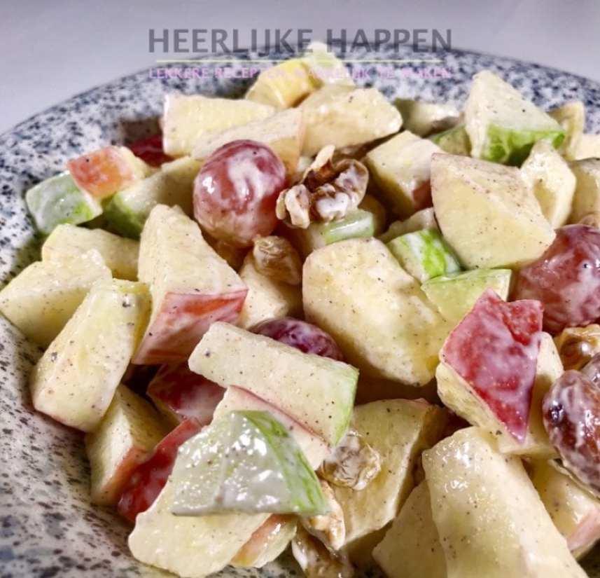 Kruidige appelsalade heerlijke happen foodblog - Krat met appel ...