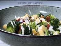 Broccoli salade met oude kaas