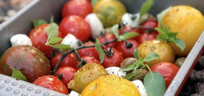 Geroosterde tomaten van de BBQ