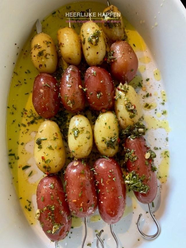 Gekruide aardappelspiesjes van de bbq