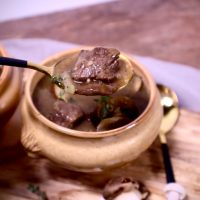 Kastanje champignonsoep met Irish beef