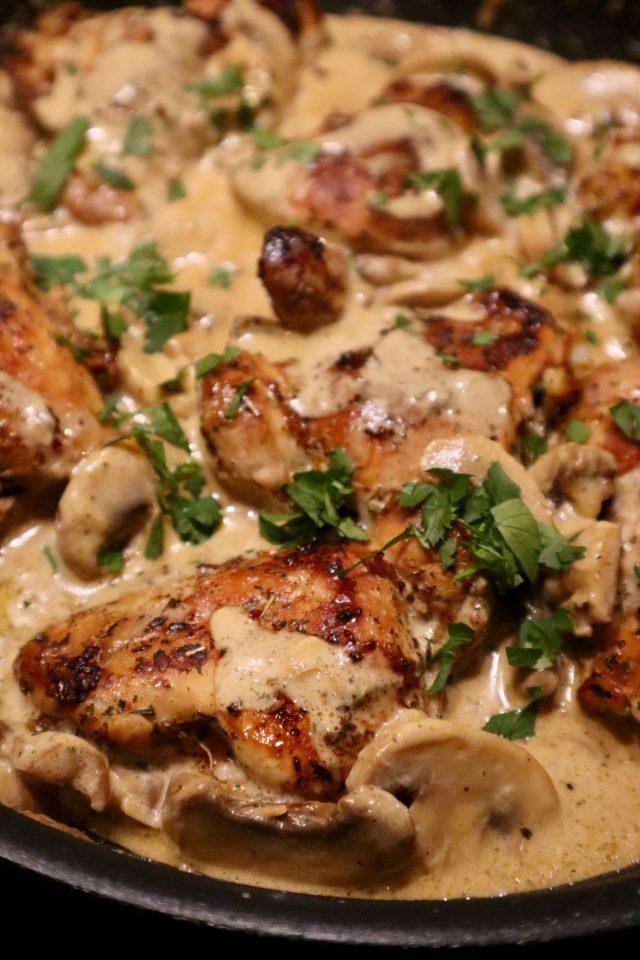 recept kippendijen in romige saus