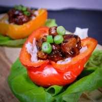 Gevulde paprika met kip en rijst