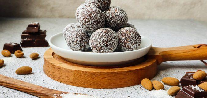 Chocolade kaneel amandel bliss balls