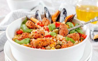 Krokante mosselen met couscous salade