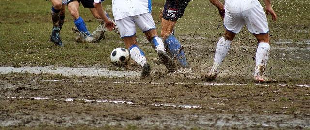 probleme-drainage-terrain-sports-inondé