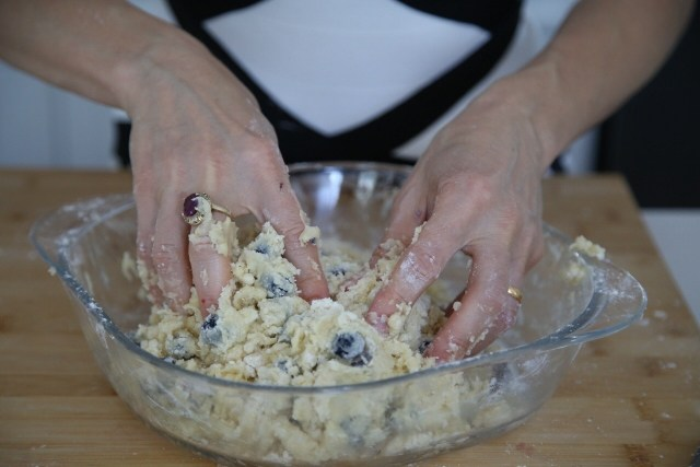 Blueberry Lemon Scones Recipe by Heghineh