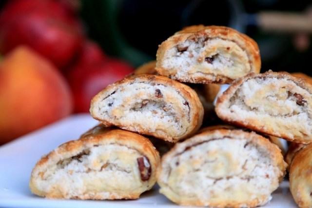 Armenian Gata with Walnuts - Մածունով Գաթա