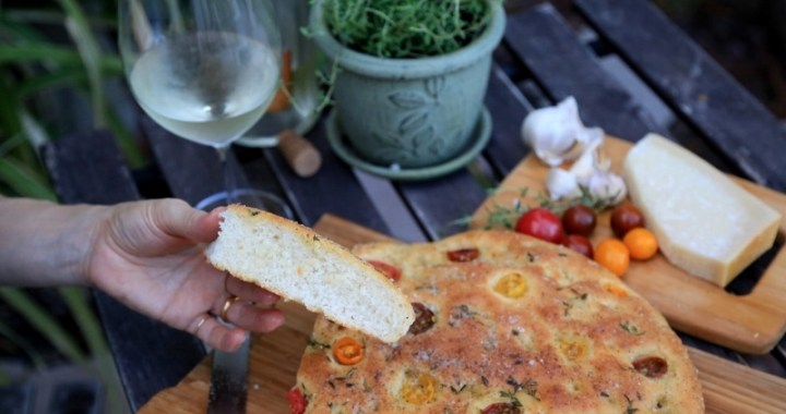 Focaccia Bread with Tomatoes
