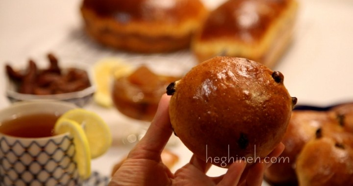 Easter Bread Buns with Raisins