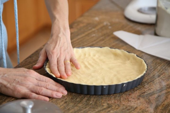 Tart Crust Recipe - Heghineh Cooking Show