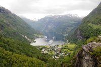 Blick auf den Geirangerfjord vom Aussichtspunkt