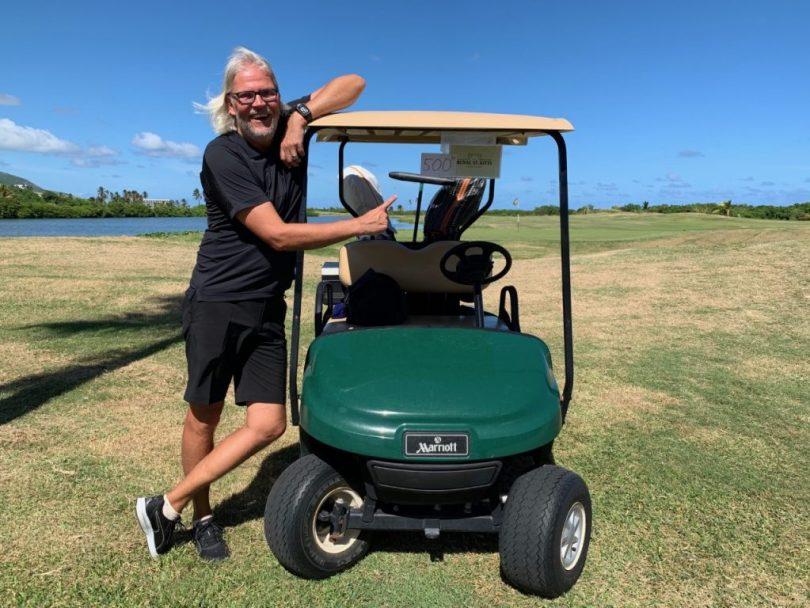 Reisegolfer Andreas unmittelbar nachdem er seinem 500. Golfplatz gespielt hat (Foto: Nicole Obrock)